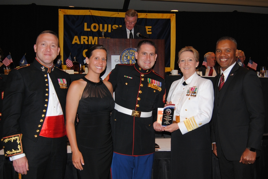 """KENTUCKY RECRUITER HONORED BY LOUISVILLE ARMED FORCES COMMITTEE WITH 2015 """"PATRIOT AWARD"""""""