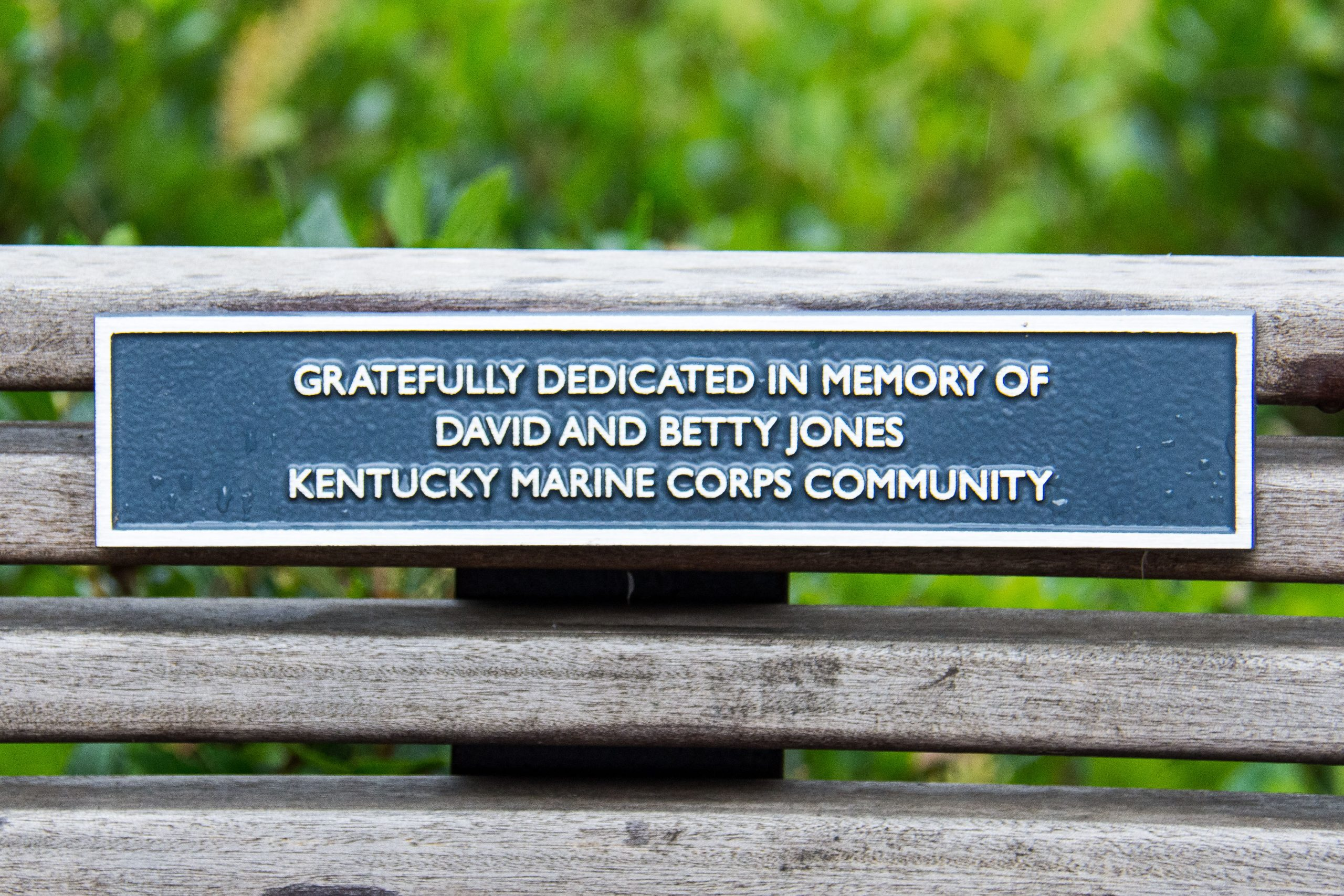 KENTUCKY MARINES DEDICATE DAVID AND BETTY JONES MEMORIAL BENCH AT PARKLANDS